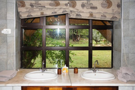 Okambara Elephant Lodge foto