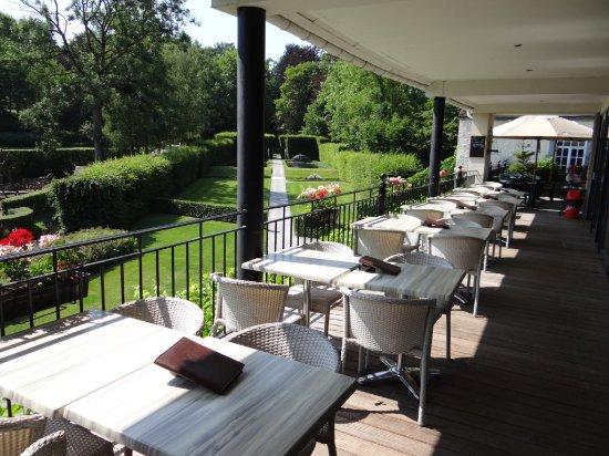 terrasse avec vue sur les jardins d 39 annevoie picture of bocow annevoie rouillon tripadvisor. Black Bedroom Furniture Sets. Home Design Ideas