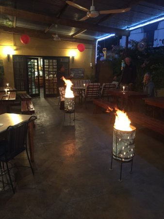 Graaff-Reinet, Sudáfrica: Warm in the Beergarden. Fire like the Locals do!