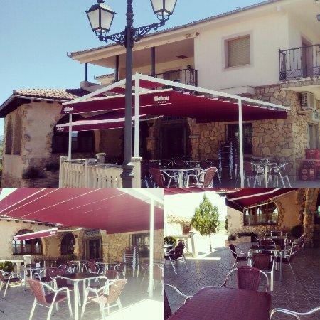 Duruelo, Espagne : Empieza el buen tiempo! Ven a disfrutar de nuestra terracita!