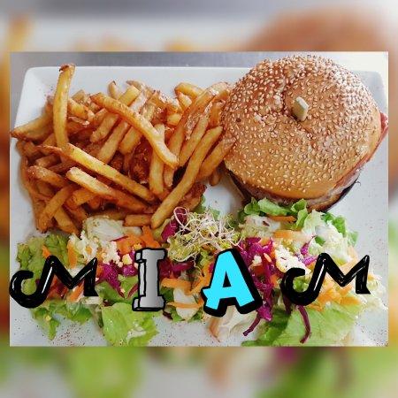 Les Ponts De Ce, Frankreich: Le burger et la pizza du mois de mai #miam