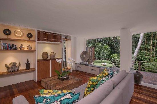 The Purist Villas and Spa: Living Room in River Villa 1