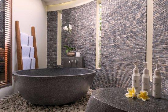 The Purist Villas and Spa: Bathroom  in River Villa 1