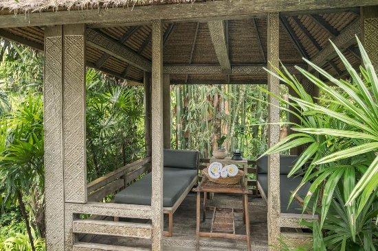The Purist Villas and Spa: Gazebo in River Villa 2