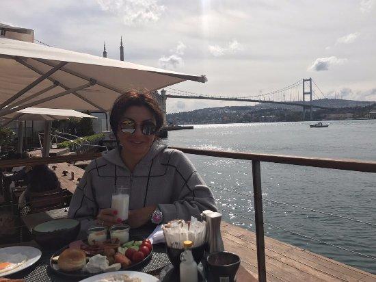 Radisson Blu Bosphorus Hotel, Istanbul: Завтрак на террасе ресторана