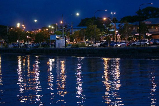 Redcliffe, Austrália: Evening in Woody Point