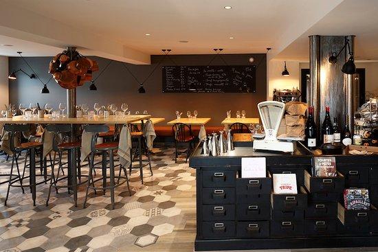Saint-Amour-Bellevue, Francia: Chez Joséphine à table - cuisine de famille