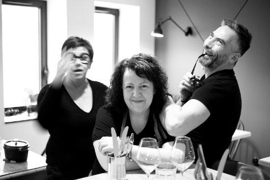 Saint-Amour-Bellevue, Francia: Les chefs - Chez Josephine à table - cuisine de famille