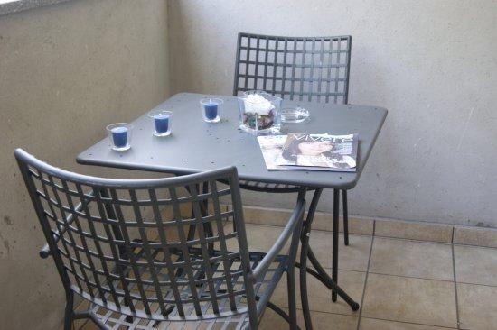 Parini Hotel : Terrazzino, Area Fumatori
