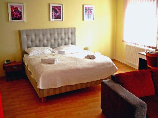 Banska Bystrica, Eslovaquia: Comfort-Saffron room