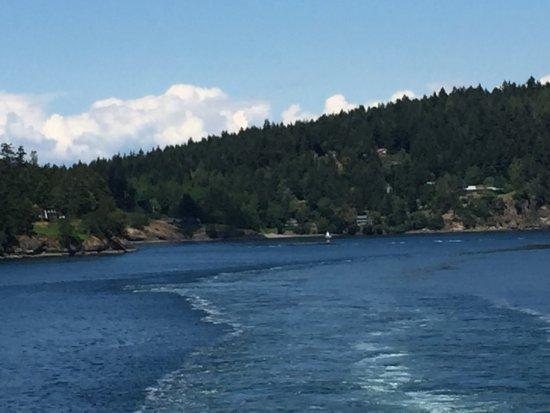 Sidney, Kanada: 小さい島の間を通過