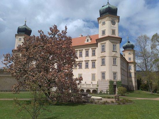 Mnisek pod Brdy, Tschechien: Zámek
