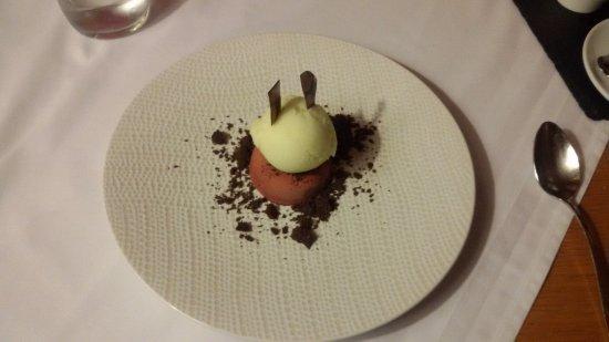 Kientzheim, Prancis: Dessert parfait au chocolat