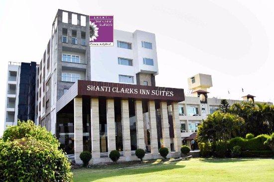 Shanti Clarks Inn Suites