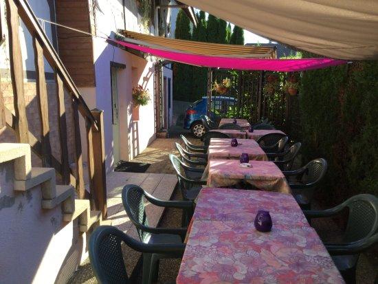 Blotzheim, Frankrike: terrasse d'été