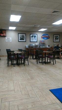 Baymont Inn & Suites Michigan City: TA_IMG_20170524_060150_large.jpg