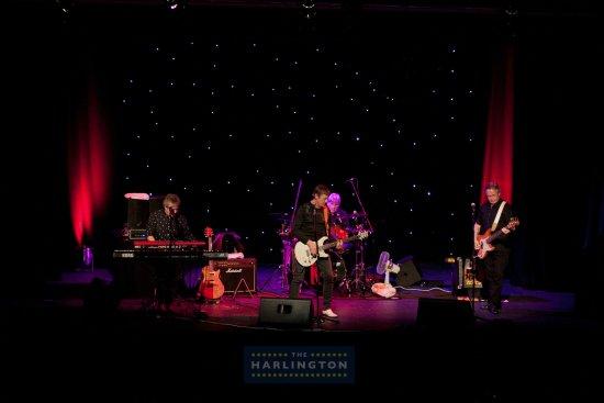 Kast Off Kinks at The Harlington