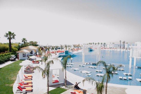 Selectum luxury resort belek turquie voir les tarifs for Piscine 07500