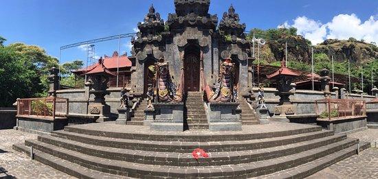 Lovina Beach, Indonesien: The Monkey Temple near Lovina.