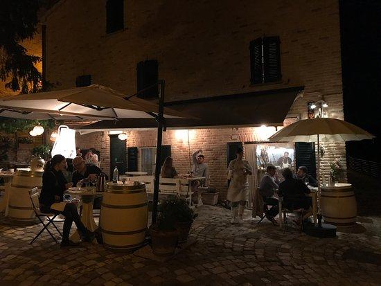 Serrungarina, Italia: photo0.jpg