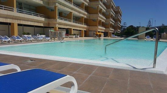 Apartamentos Montemar: Piscina ¡