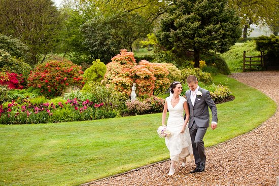 Yelverton, UK: The perfect backdrop for wedding photographs