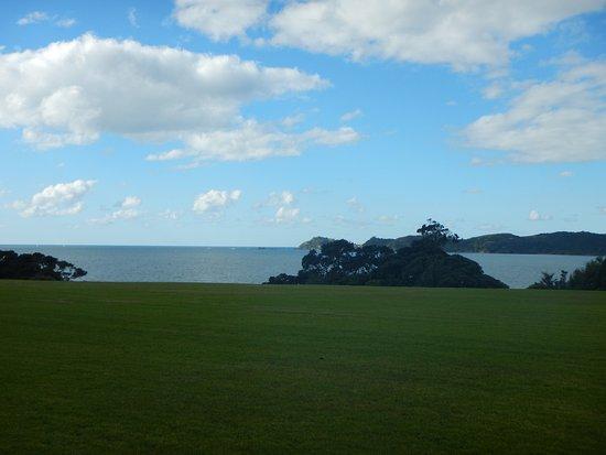 เปเฮีย, นิวซีแลนด์: The bay of Islands as seen form the Waitangi treaty grounds