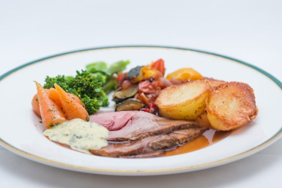 Tavistock, UK: Beera farm home produced roast lamb