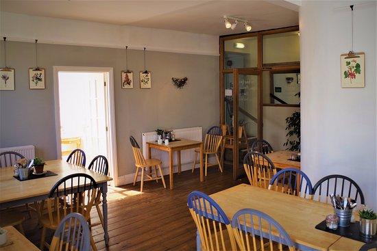 Kingsbridge, UK: indoor seating