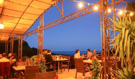 A Chabraca : terrasse du restaurant