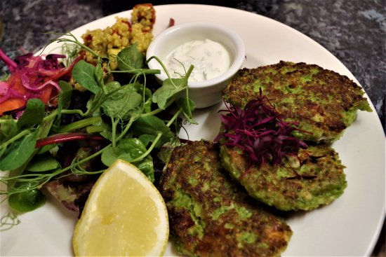 Kingsbridge, UK: pea fritters