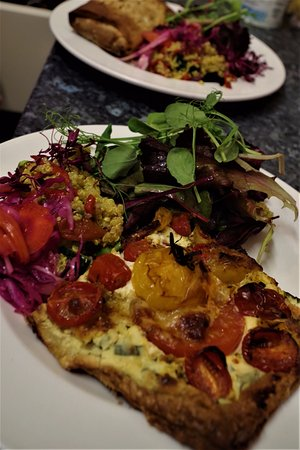 Kingsbridge, UK: tomato tart