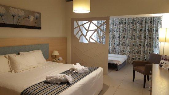 Pernera Beach Hotel Photo