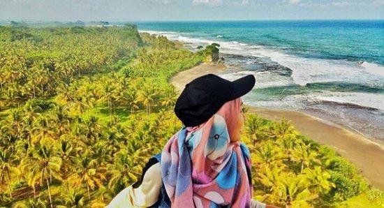 Madasari Beach: Pantai madasari dari mercusuar