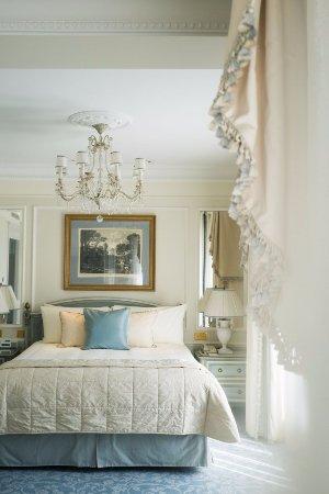 Four Seasons Hotel George V Paris: Deluxe Room