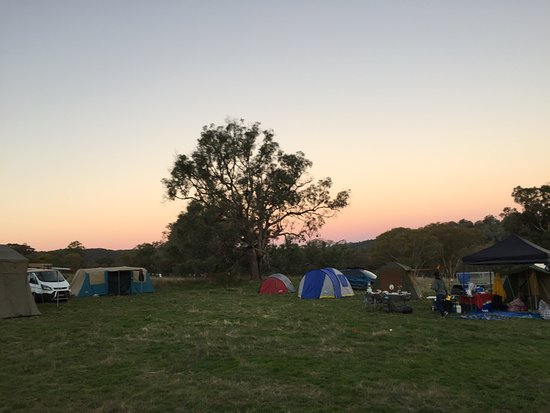 Mudgee, Αυστραλία: Camp 'wallaby' at sunset