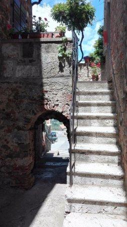 Montemerano, อิตาลี: stradina
