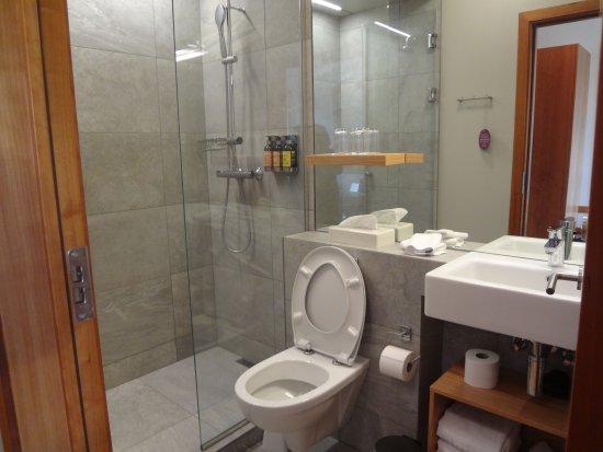 Egilsstadir, Iceland: Clean, L'Occitane products