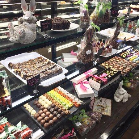 Έλκχαρτ, Ιντιάνα: Spring bakery case