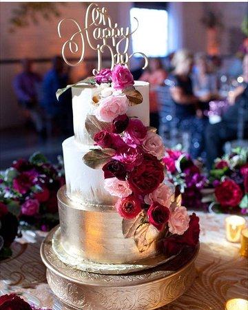 Έλκχαρτ, Ιντιάνα: custom wedding cake