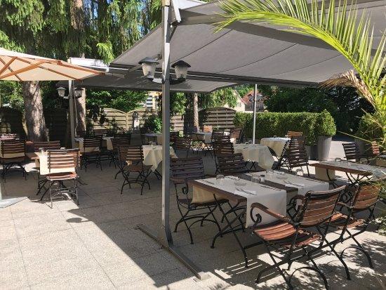 Ebikon, Swiss: Restaurant Sonne