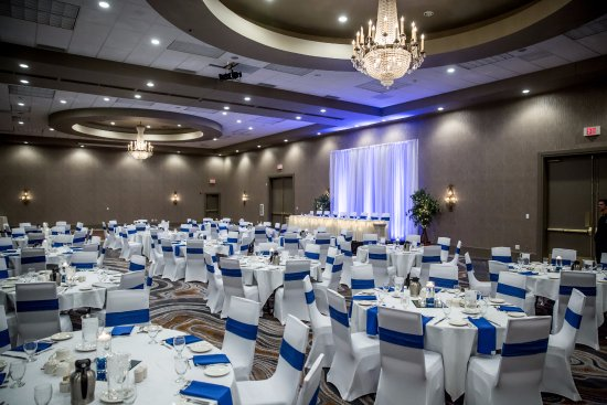 Delta Hotels by Marriott Fargo : Crystal Ballroom at Delta by Marriott Fargo - Wedding