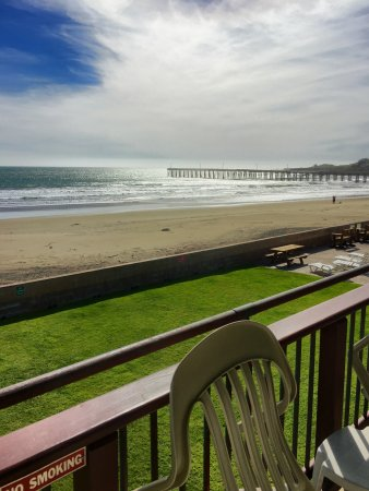 Cayucos Shoreline Inn...on the beach: photo1.jpg