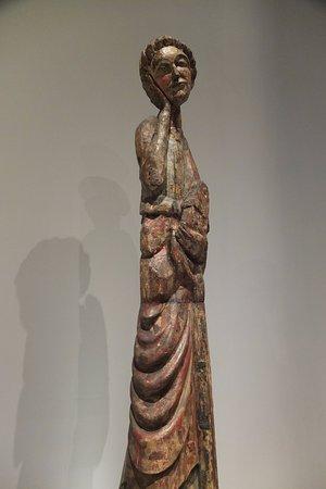 Museu Nacional de Arte Antiga: scultura in legno di circa 1,70 mt di fattura Portoghese del 1400 circa.