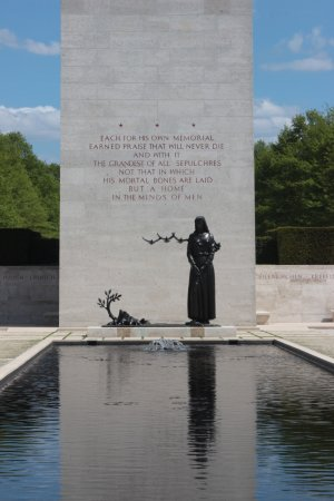 Margraten, The Netherlands: Reflecting pool and memorial at the entrance
