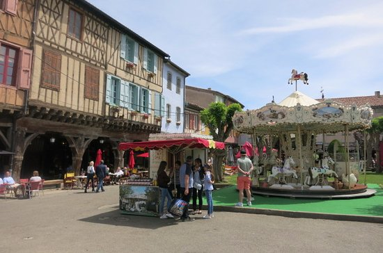 market square in Mirepoix