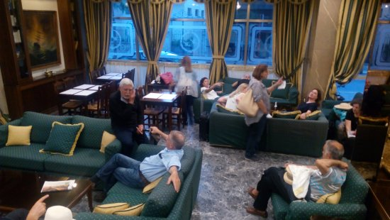 Helena Hotel: The lobby and sitting room area