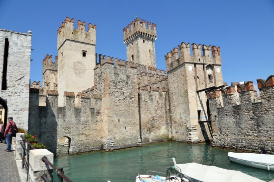 Rocca Scaligera di Sirmione: Sirmione Castle