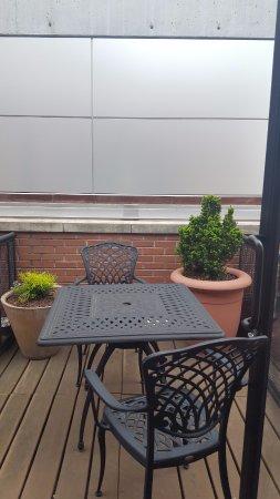 Hampton Inn Manhattan-Seaport-Financial District: terrace - 8th floor room