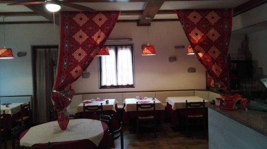 Caldonazzo, Italy: Sala interna